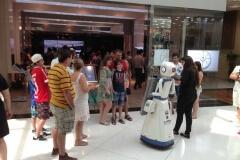Robô Interativo na inauguração do empreendimento da A.Yoshii