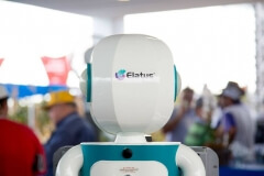 Robô Interativo da Syngenta na Showtec 2015