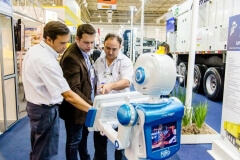 Robô Interativo da Wirtgen Group na Brazil Road Expo 2013